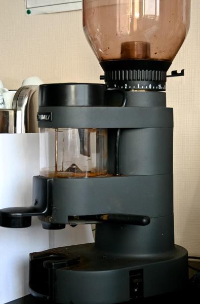 Профессиональная жерновая кофемолка